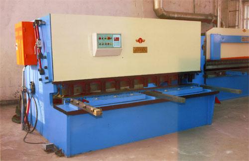 QZ12Y液压剪板机