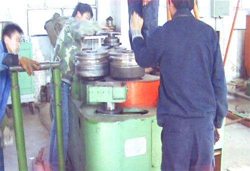 型钢成形机